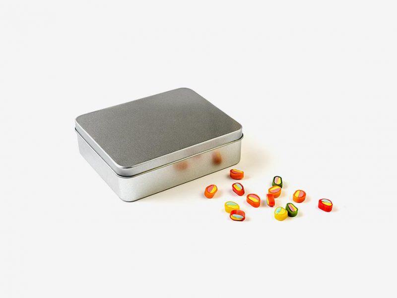 stalowe pudełko
