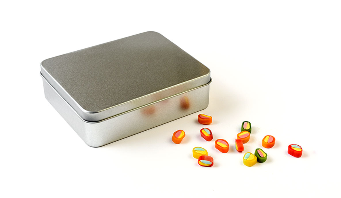 pudełka ze srebrnym nadrukiem