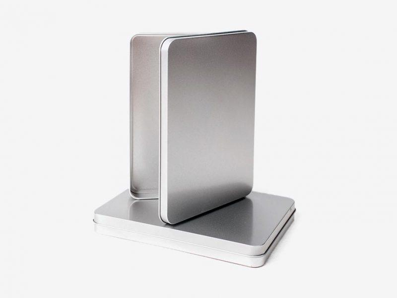 stalowe pudełka